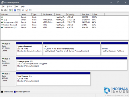 Windows 10 Disk Management with attached VHD
